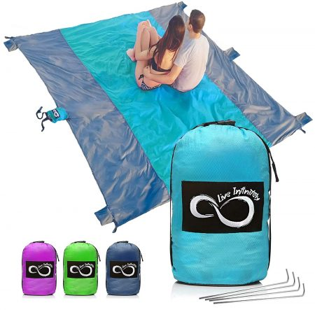 Sand Free Beach Blanket- 7 Person 9' x 10' Sand Proof Mat